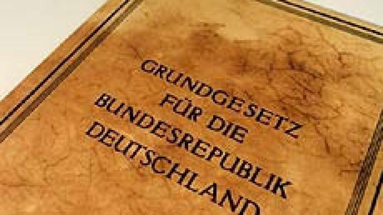 """""""Rechts""""staat Deutschland?"""